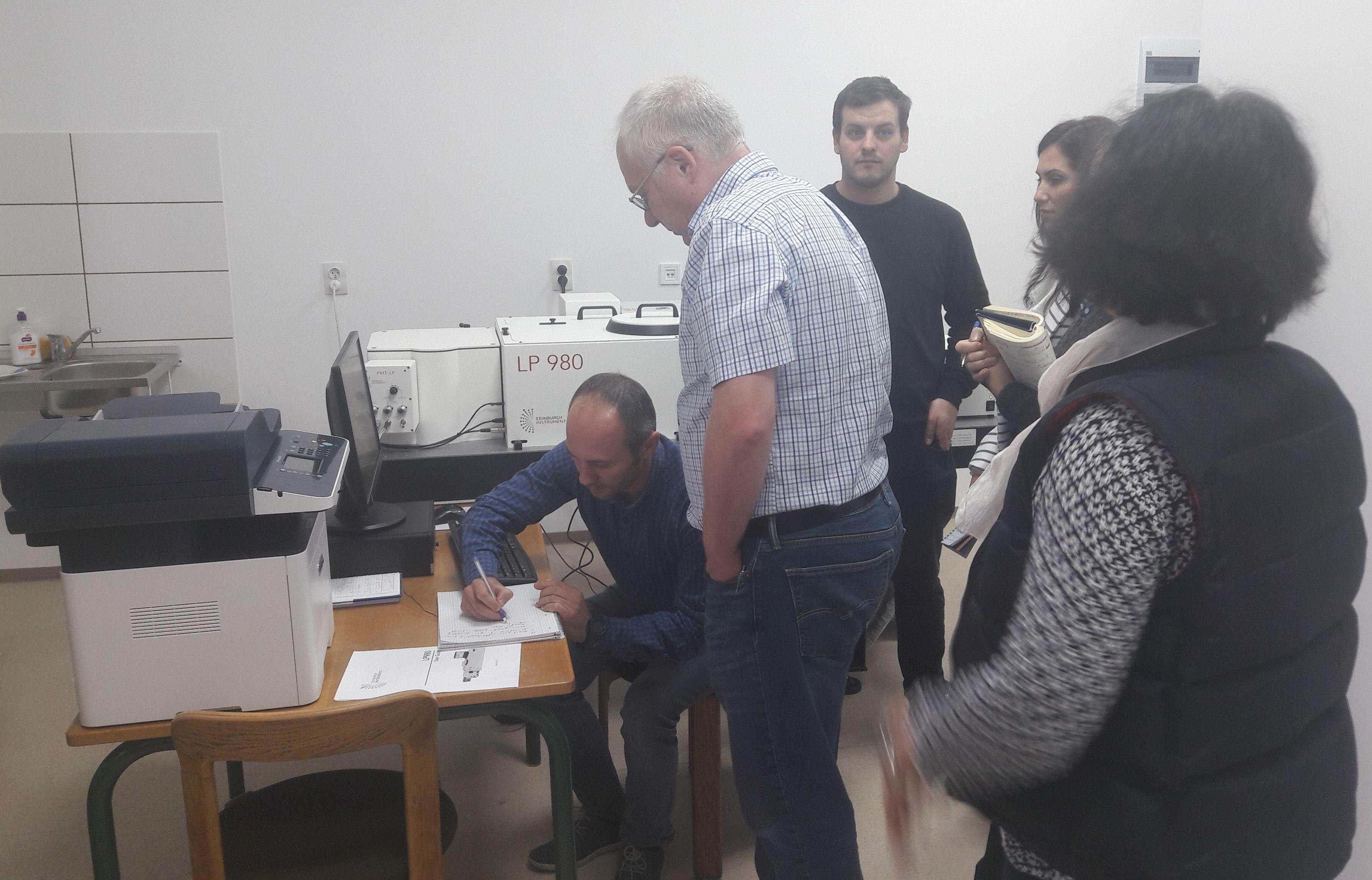 """Echipament de ultimă generație instalat de Ronexprim la Institutul de Chimie Macromoleculară """"Petru Poni"""" din Iași"""