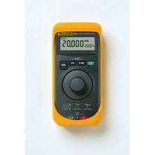 Calibrator de semnal unificat Fluke 707