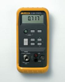Calibrator de presiune Fluke 717